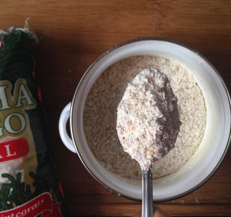 1-colher-de-sopa-farinha-de-trigo