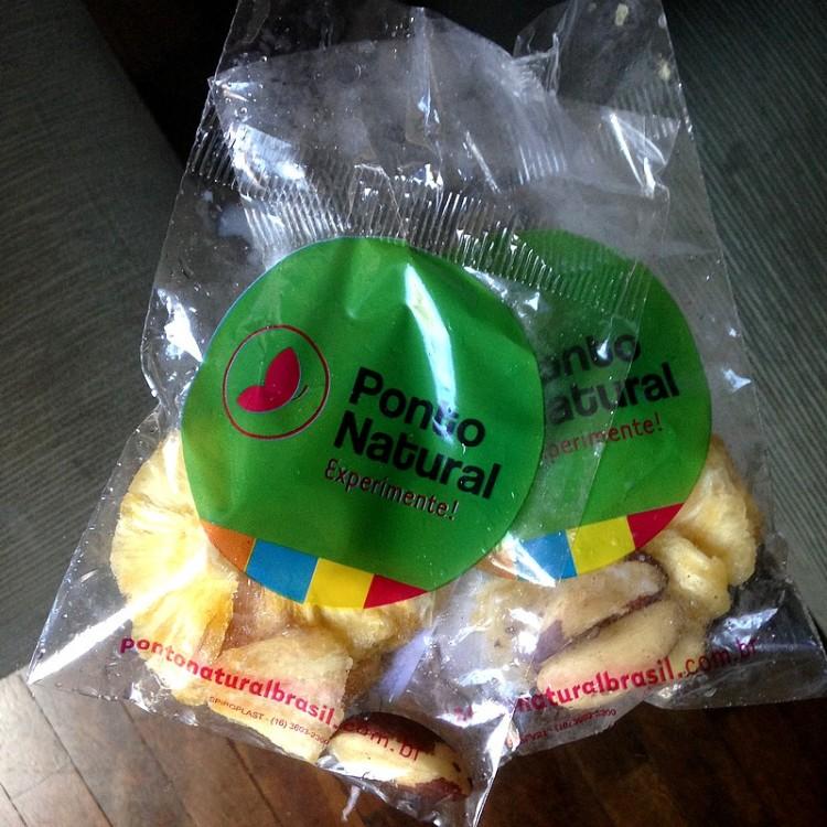 snacks-ponto-naturall-abacaxi-desidratado-castanha-dopara-lanches-saudaveis