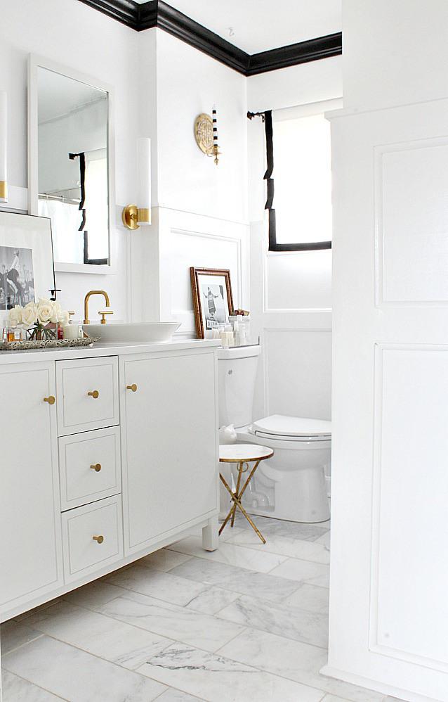 bathroom-open-door