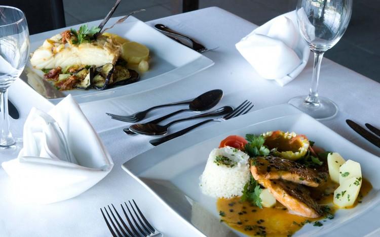 resorts-brasil-enotel-convention-resort-brasil-area-interna-restaurante-09