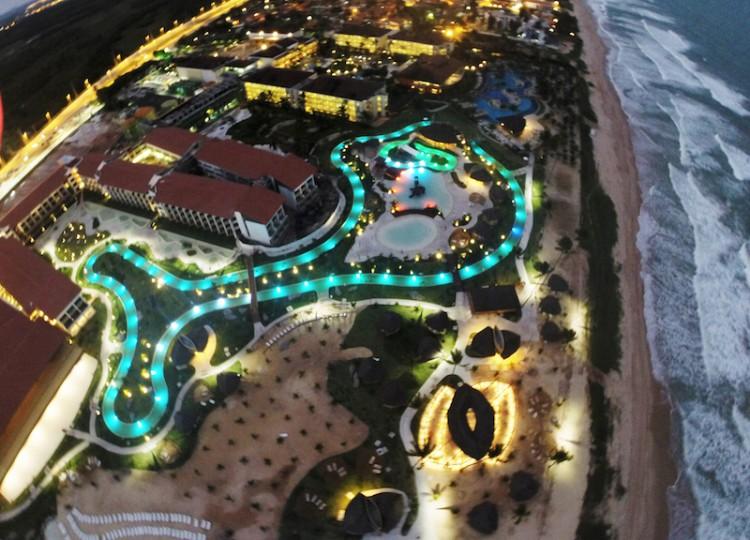 Vista_Area_do_Resort_ao_Entardecer_06ac48