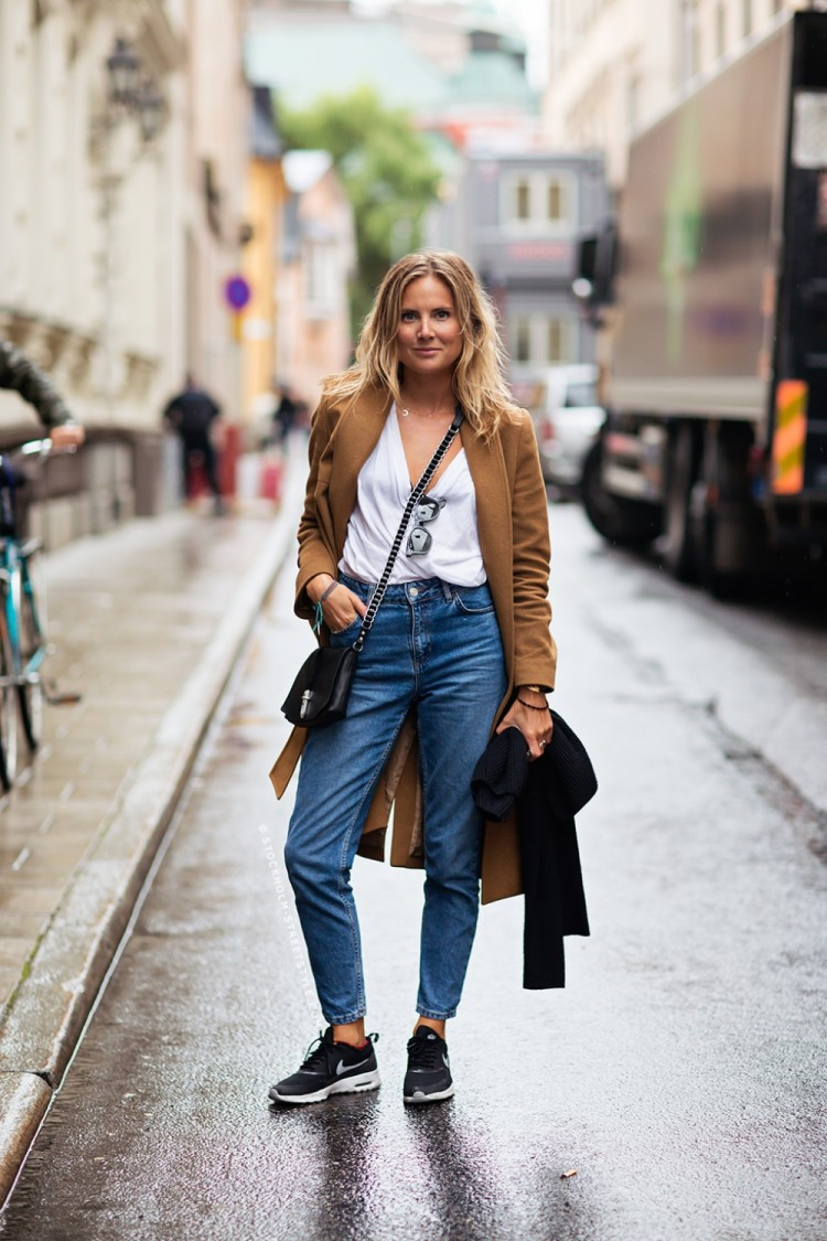 lucy-williams-stockholm-streetstyle-mom-jeans-denim