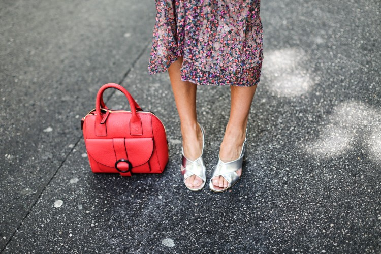 clochet_streetstyle_blanco_ollie_bag_lacepleatedskirt-10