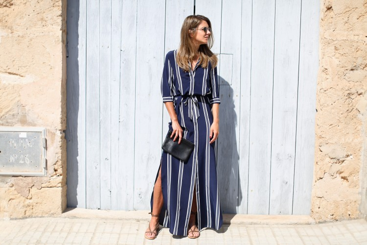 Clochet_streetstyle_theoutnet_irisink_silk_stripped_long_dress-3-2